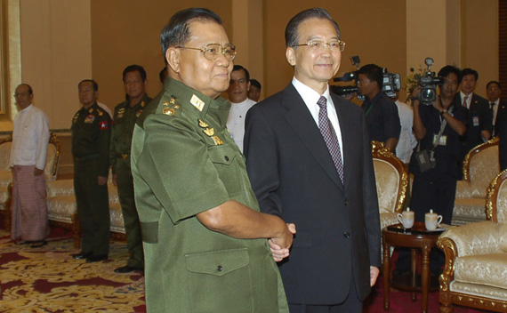 Chinese Premier Wen Jiabao shakes hands with Myanmar's Senior General Than Shwe during a meeting in the country's capital Naypyidaw