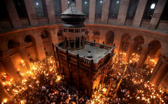 A general view of the Church of Holy Sepulchre during the Christian Orthodox Holy Fire ceremony in Jerusalem's Old City April 23, 2011. (Courtesy REUTERS/Baz Ratner).