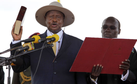 Uganda's President Yoweri Museveni takes Oath of Office during a ceremony at the Kololo Airstrip grounds in the capital Kampala, May 12, 2011. (Edward Echwalu/Courtesy Reuters)