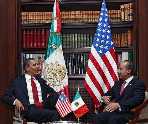 Presidents Barack Obama and Felipe Calderon at Los Pinos. Courtesy of El Enigma at Flickr.