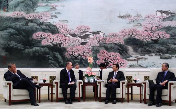 Donilon, Summers Meet with Li Yuanchao in Beijing