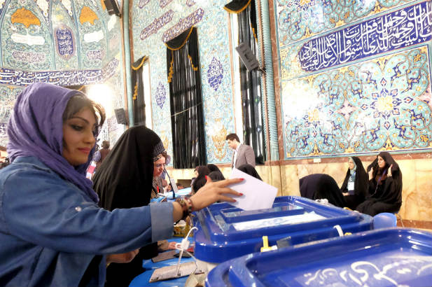 Iran woman voting parliament elections