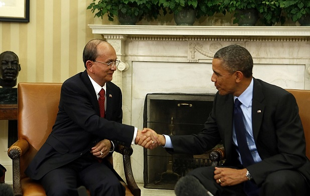 U.S. President Barack Obama shakes hands with Myanmar's President Thein Sein in the Oval Office at the White House in Washington May 20, 2013. (Larry Downing/Courtesy Reuters)