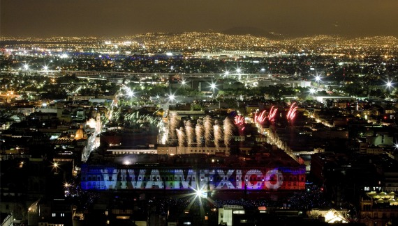Fireworks over Mexico City's Zocalo during its bicentennial anniversary of independence in September 2010 (Courtesy Daniel Aguilar/Reuters).