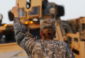 US-military-woman-convoy-Iraq