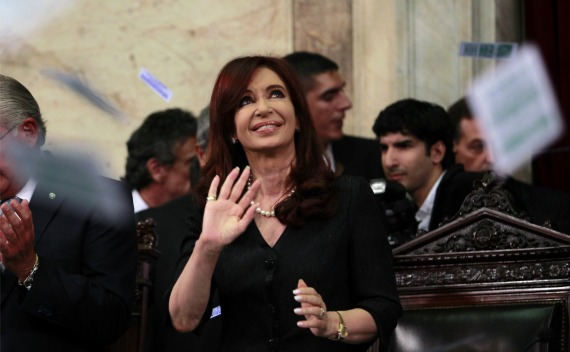 Argentina's President Cristina Fernandez de Kirchner waves as she enters Congress for the inauguration of the annual ordinary sessions in Buenos Aires (Marcos Brindicci / Courtesy Reuters).