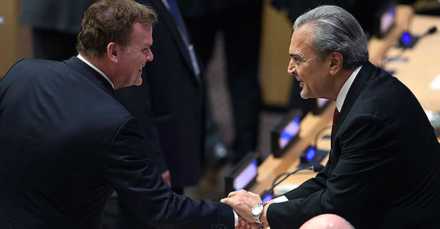 Saudi Arabia's Foreign Minister Saud bin Faisal (R) shakes hands with Canada's Minister of Foreign Affairs John Baird (L) during 68th U.N. General Assembly in New York, Sept. 26, 2013
